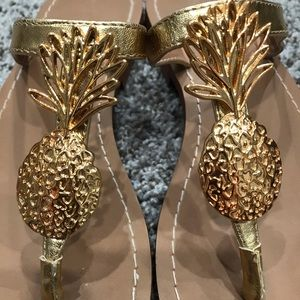 Lilly Pulitzer Pineapple 🍍 Sandals